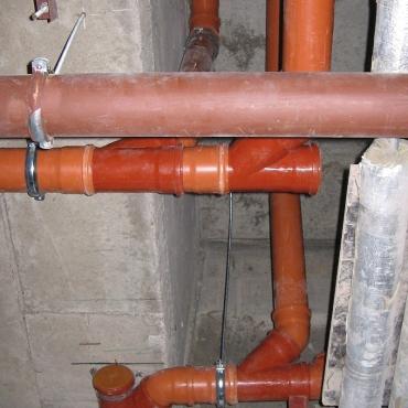 Монтаж внутренней канализации в бизнес-центре