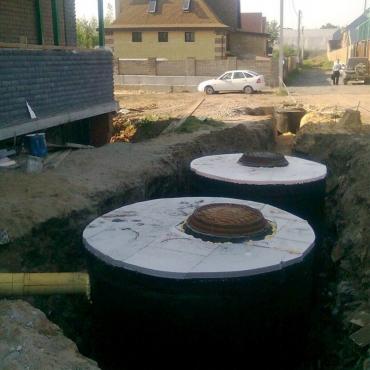 Строительство септика из бетонных колец в частном доме под ключ